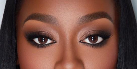 Mode d`emploi pour un maquillage des sourcils effet naturel