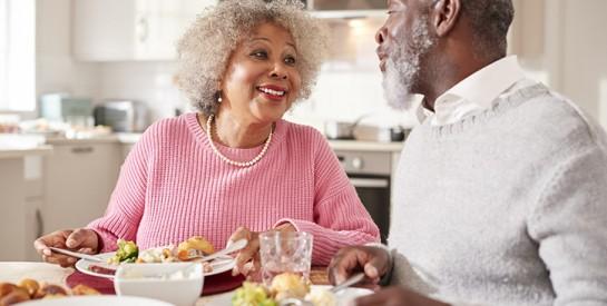 Manger à deux pour être plus heureux