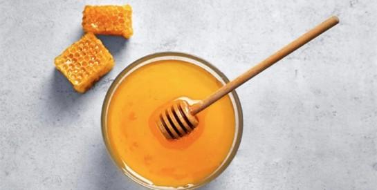 5 masques au miel pour traiter l`acné efficacement