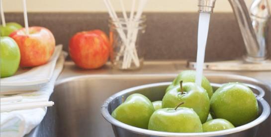 Astuces pour nettoyer et retirer sainement les pesticides des fruits et légumes