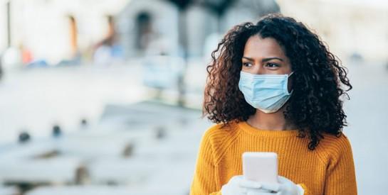 Le port du masque vous provoque de l'acné? Les astuces pour l'éviter
