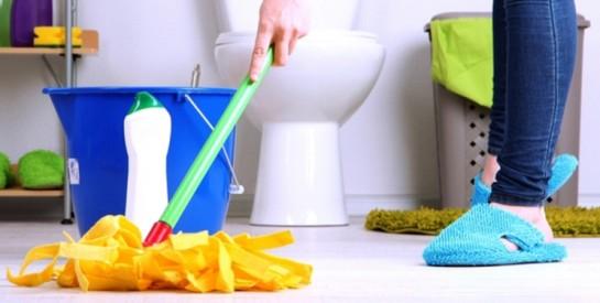 Astuces infaillibles pour éliminer les mauvaises odeurs des salles de bain et canalisations
