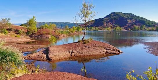 Le lac Salagou ou l'Afrique en Europe, un site à découvrir!