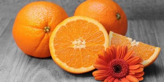 Un jus d'orange frais le matin, c'est bon pour la santé