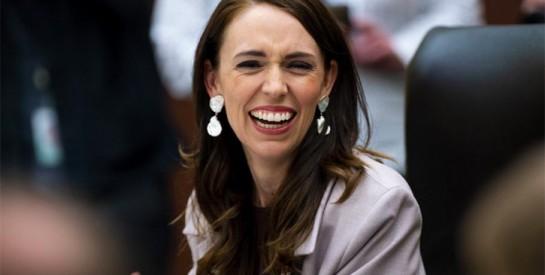 Nouvelle-Zélande : la Première ministre Jacinda Ardern investie pour un second mandat
