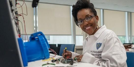 Coronavirus au Congo : l'ingénieure Sandrine Ngalula Mubenga conçoit des respirateurs