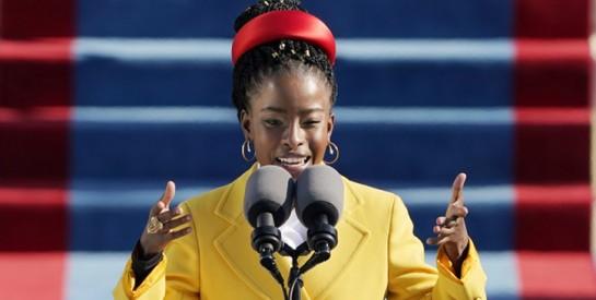 Amanda Gorman, jeune poétesse afro-américaine, a fait sensation à l'investiture de Joe Biden