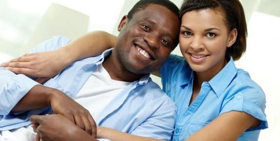 Un partenaire heureux est le fondement d`une vie saine