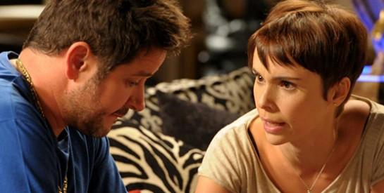 Résumé Avenida Brasil, Episode 19 - 20 : Nina se rend chez Tifon pour commencer à travailler