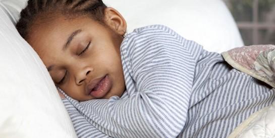 Pourquoi devez-vous être vigilant si votre enfant ronfle ?