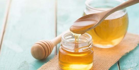4 remèdes à base de miel contre la toux sèche et le rhume