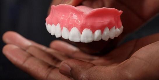 Les astuces pour nettoyer son appareil dentaire