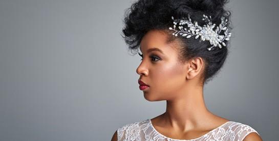 Coiffures de mariage pour cheveux courts : 15 idées pour mettre sa coupe en valeur !