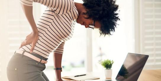 Abandon du soutien-gorge : risque-t-on le mal de dos et les seins qui tombent ?