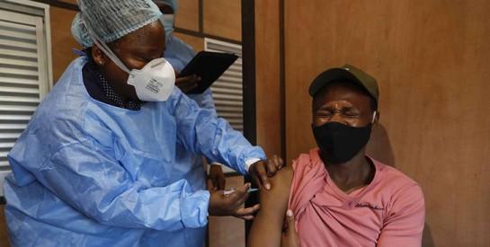 Covid-19: l'Afrique du Sud veut introduire un «passeport vaccinal»