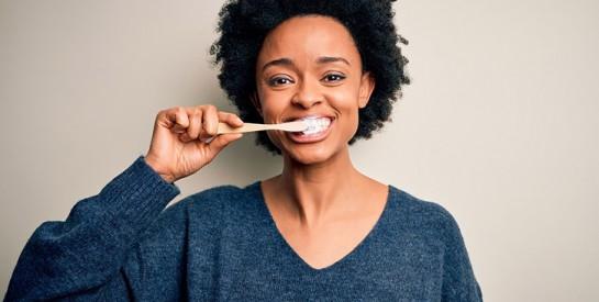 Se brosser les dents : avant ou après le petit-déjeuner ?