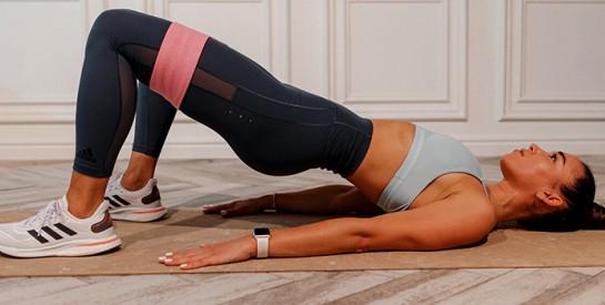 Les exercices avec élastique vont construire vos abdos