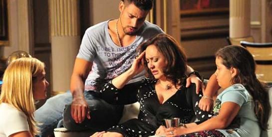 Résumé Avenida Brasil, épisode 55 - 56 : Max libère Carmina et les deux prennent la fuite