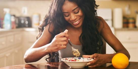 Comment mieux manger pour perdre du poids (en 5 étapes)