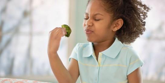 Quels aliments éviter pour un bébé jusqu'à ses 3 ans ?