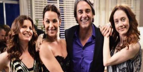 Résumé Avenida Brasil, Episode 65 - 66 : Tomas prend Carlitos en filature et découvre qu'il a deux foyers