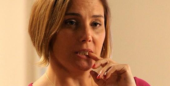 Résumé Avenida Brasil, Episode 69 - 70 : Olenka découvre que Silas n'est pas malade et menace de le dire à Monalisa