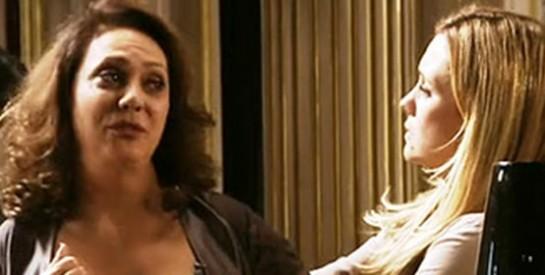 Résumé Avenida Brasil, Episode 127 - 128 : Muricy raconte à Carmina que Tifon était à la plage avec Monalisa