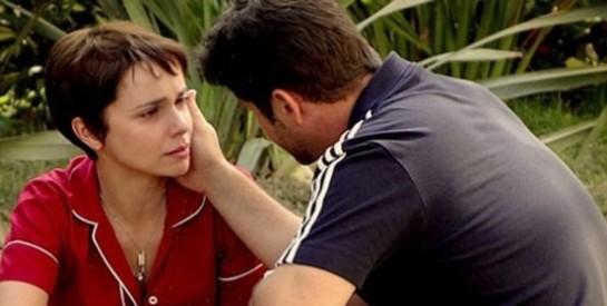 Résumé Avenida Brasil, Episode 135 - 136 : Tifon avoue être amoureux de Nina...
