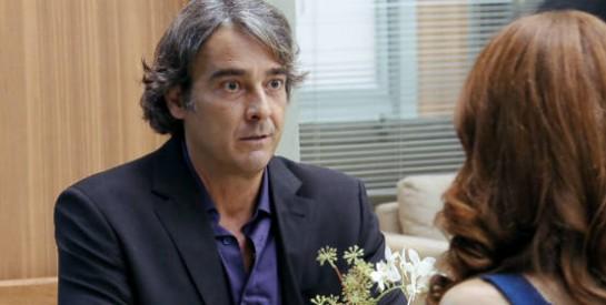 Résumé Avenida Brasil, épisode 251 -252 : Carlitos annonce à Noémia qu'il a fait faillite