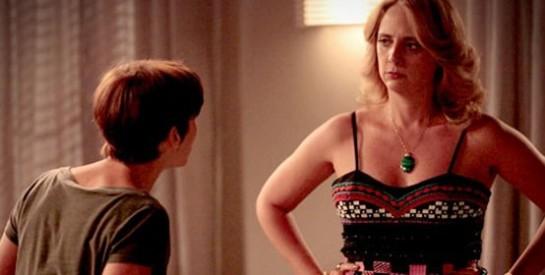 Résumé Avenida Brasil, épisode 259-260: Muricy apprend que Tifon est amoureux de Nina