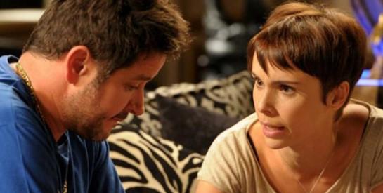 Résumé Avenida Brasil, épisode 271 -272 : Tifon se rend au commissariat pour aider Nina