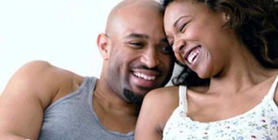 Faire l'amour dans le noir : les femmes préfèrent