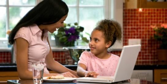 Conseils pour protéger son enfant des risques de Facebook