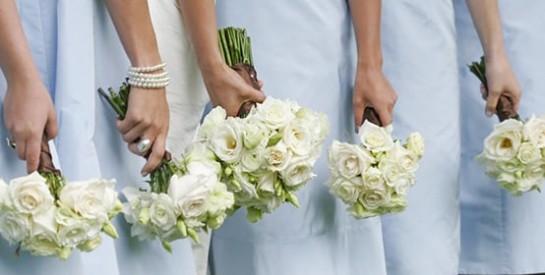 En Chine, des mariées engagent des demoiselles d`honneur professionnelles