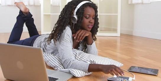 Un jeune sur cinq se réveille la nuit pour aller sur les réseaux sociaux
