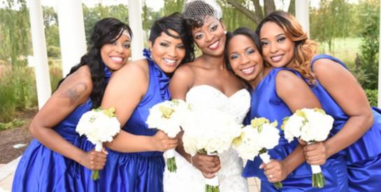 Mariage : pourquoi les demoiselles d'honneur doivent-elles avoir la même robe?